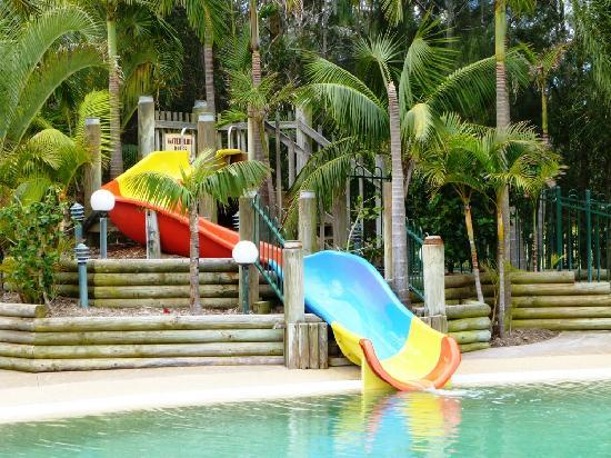 Ocean Beach Resort and Holiday Park: Pool slide
