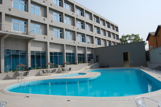 Enugu, Nigeria: Rooms and Poolside