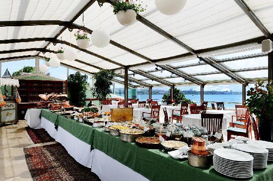 Armada Istanbul Old City Hotel: Buffet breakfast