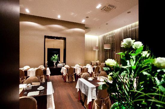 Grand Hotel Union: Breakfast room