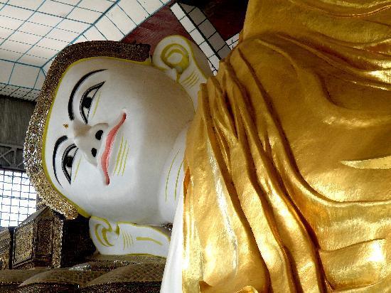 Bago, พม่า: Large reclining Buddha