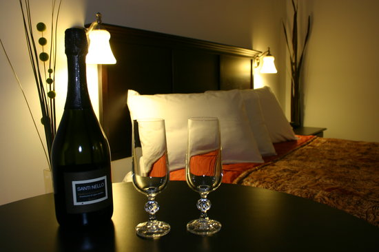 Auberge du Littoral: Intimate room