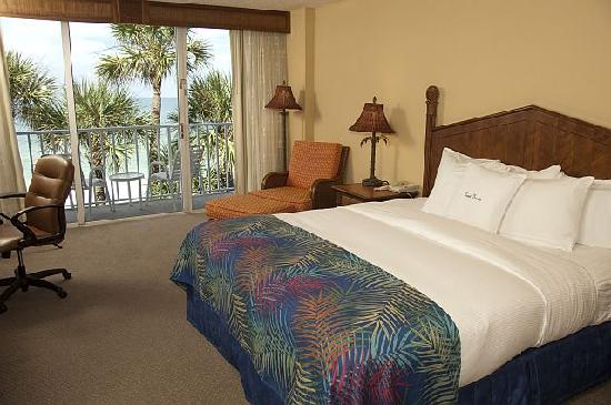 Doubletree Beach Resort by Hilton Tampa Bay / North Redington Beach: Gulf Front Room with King Bed