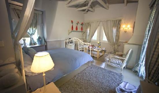 Μέγα Χωριό, Ελλάδα: White Room