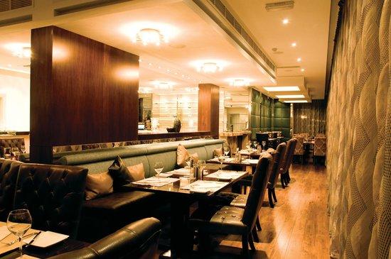 18oz: Inside the Restaurant 2