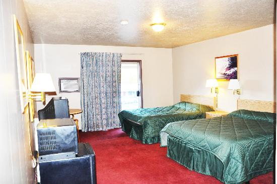 Ogden River Inn: room with 2 queen bed