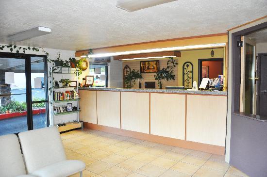 Ogden River Inn : Lobby