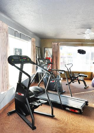 Ogden River Inn: Upstairs Gym