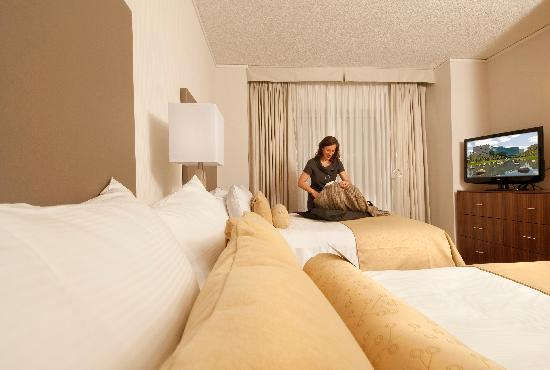InterContinental Suites Hotel Cleveland : Newly renovated One Bedroom Suite with two Double Beds