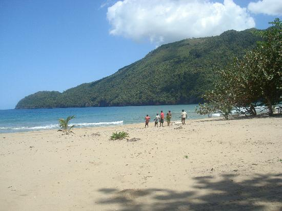 Tour Samana with Terry : what a view for lunch..oh and we drove on the beach