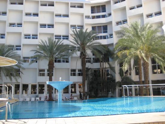 Isrotel Sport Club: Pool area