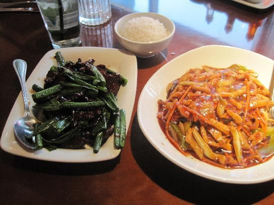 P.F. Chang's : Beef & Broccoli and Double Pan-Fried Noodles w/ Chicken