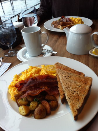 Fetch Restaurant: basic breakfast (only 1 slice of toast for $11!)