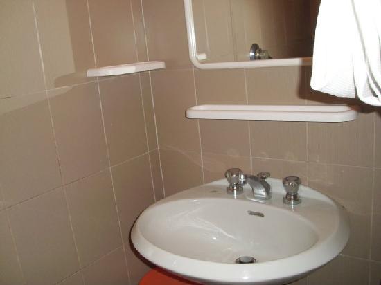Hotel Marina: bagno....se così si può definire...