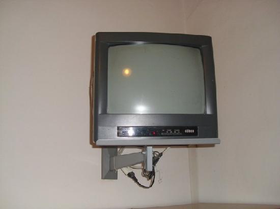Hotel Marina : televisore ultima generazione...