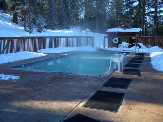 Sierra Hot Springs Resort & Retreat Center: hot spring 1