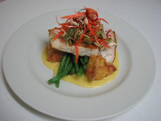 Casmar Restaurant and Bar: Barramundi