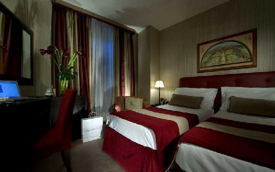 twin classic room of hotel dei borgognoni rome