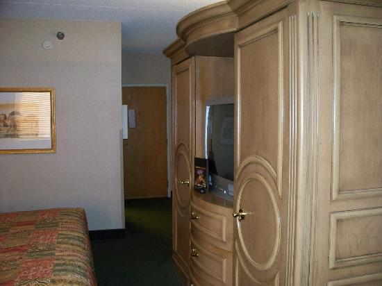 LivINN Hotel Cincinnati North / Sharonville: room view 3