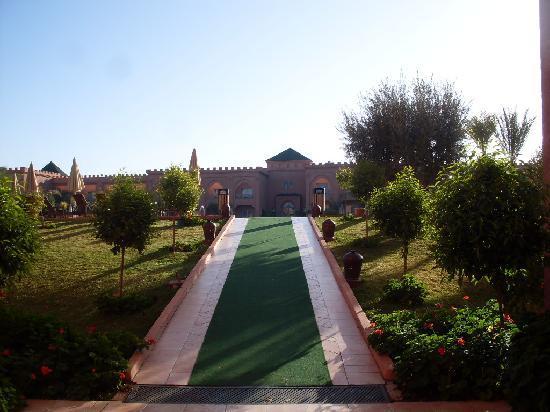 Mogador Palace Agdal: un des accès à la piscine