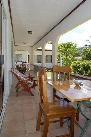 Pension Hibiscus: verandah