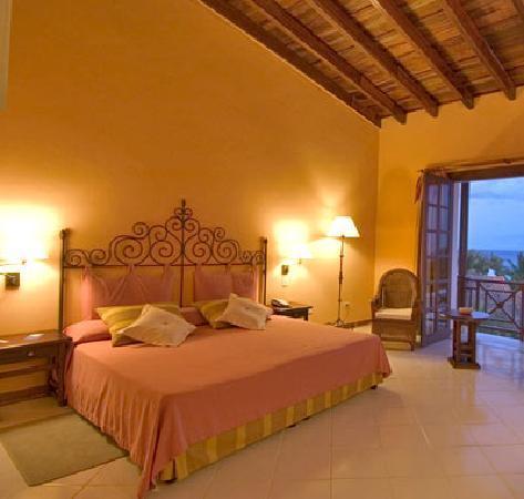 Hotel Colonial Cayo Coco : comfortable rooms