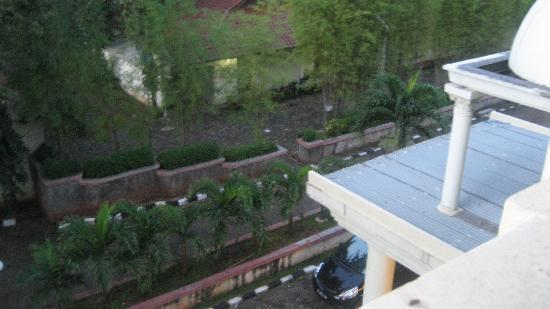 Gading Indah Hotel: front view