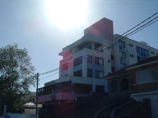 Hotel Ricadi: Vista del frente