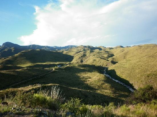Estancia Altos del Durazno: Montañas interminables