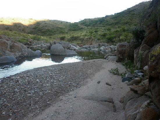 Estancia Altos del Durazno: Playita y agua fresca