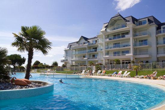 L'Aiguillon-sur-Vie, Francia: La piscine