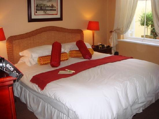 River Manor Boutique Hotel & Spa : Nice set up in Room 12