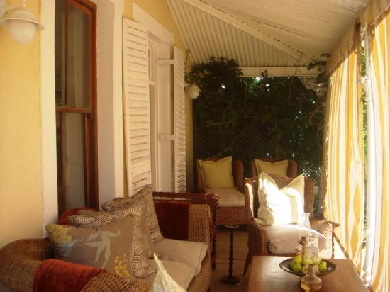 River Manor Boutique Hotel & Spa : A very comfortable veranda