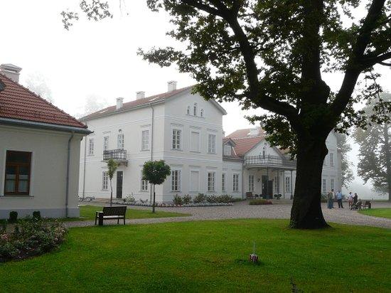 Lochow, Polandia: Palace