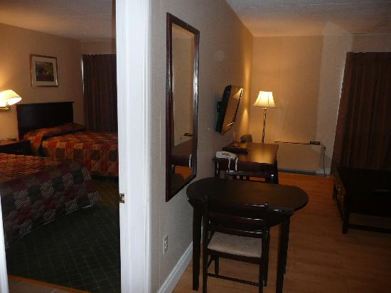 Super 8 Cambridge: Suite
