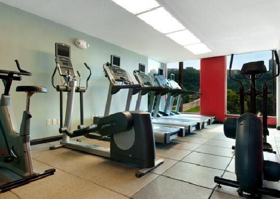 Cardio Room in Fitness Center - Picture of Wyndham Grand