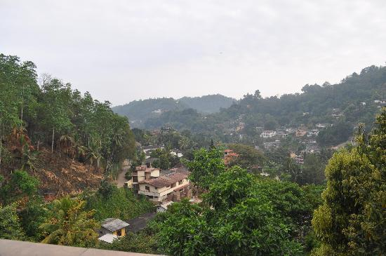 Kandy View Hotel : View from roof top restaurant
