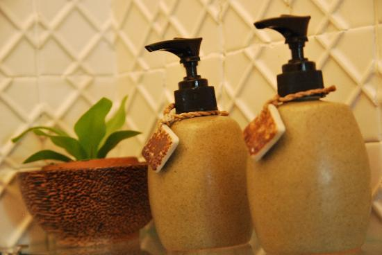 The Bhuthorn: Great custom soapy things in the bathroom