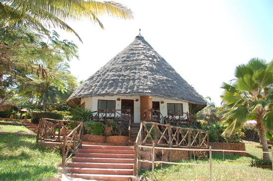 Ras Nungwi Beach Hotel : Our bungalow, right on the edge of the beach