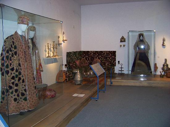 Eretz Israel Museum Complex (Haaretz Museum): Bukharan Jewish clothing, from cultural exhibits