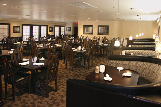4th Floor Grille & Sports Bar: Dining Room