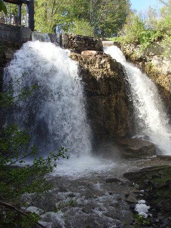 The Falls Inn & Spa