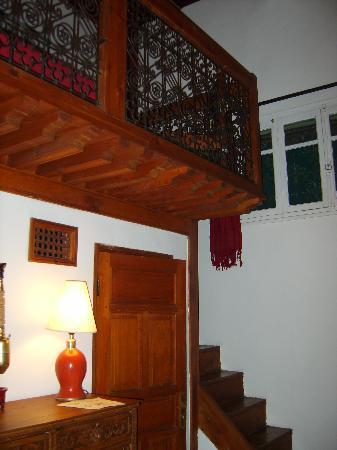 Riad Al Bartal: Une chambre en mezzanine