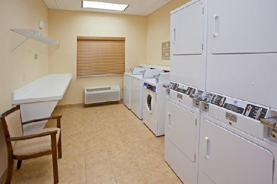 Candlewood Suites Baytown : 24 Hour FREE Laundry Facilities