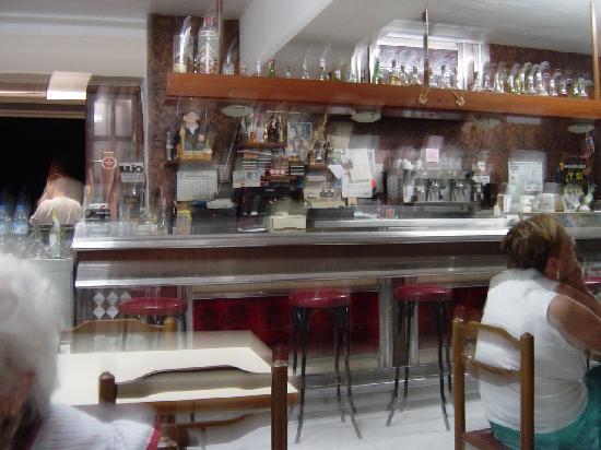 Hostal Montecarlo: Bar