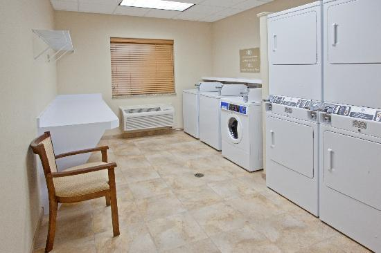 Candlewood Suites: 24 Hour FREE Laundry Facilities