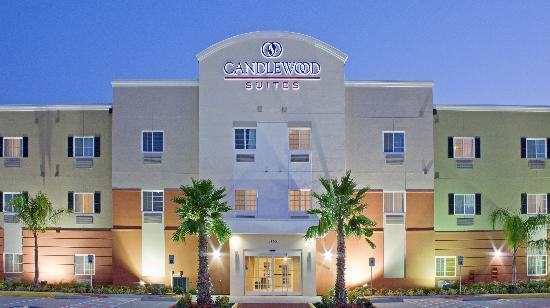 Candlewood Suites: Outside Shot