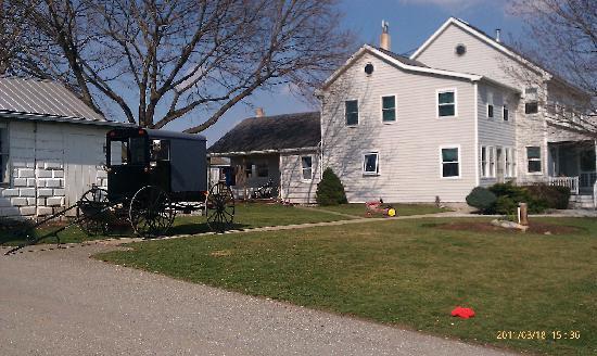 Amish Country: amish farm house