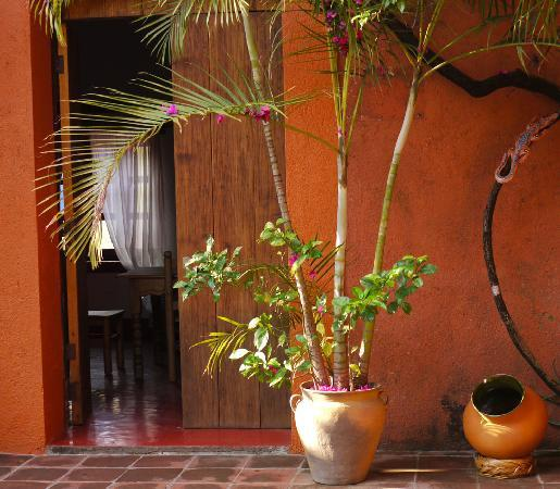 Hostal Casa del Sol Oaxaca: Entrance to the dorms