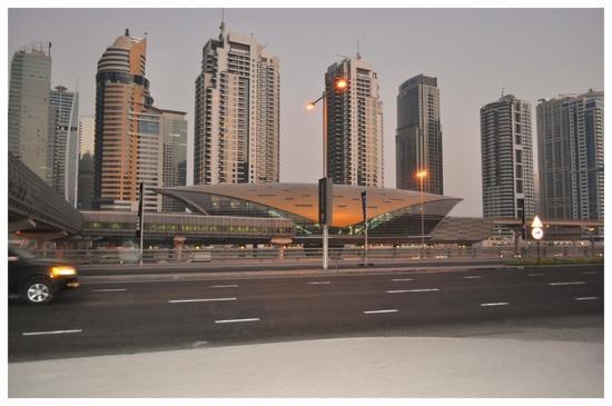 Estacion Del Metro Marina Mall Picture Of Dubai Marina